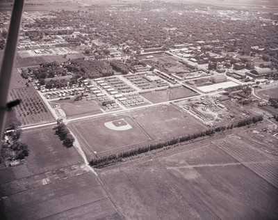 Aerial view of South Dakota State College, 1958