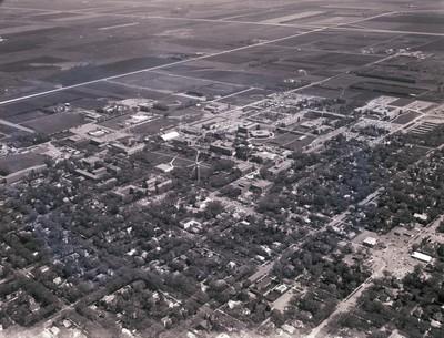 Aerial view of South Dakota State University, 1971