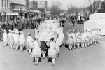 Birthday cake Hobo Day parade float, 1927