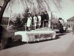 Nursing Hobo Day parade float, 1945