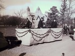 Sigma Alpha Epsilon Hobo Day parade float, 1945