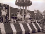 Sophomore Class Hobo Day parade float, 1950