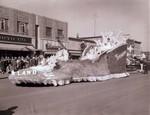 Senior Class Hobo Day parade float, 1957