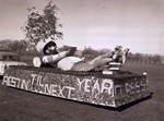 Sophomore Class Hobo Day parade float, 1951
