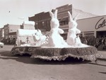 Senior Class Hobo Day parade float, 1955