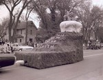 Lutheran Student's Association Hobo Day parade float, 1962